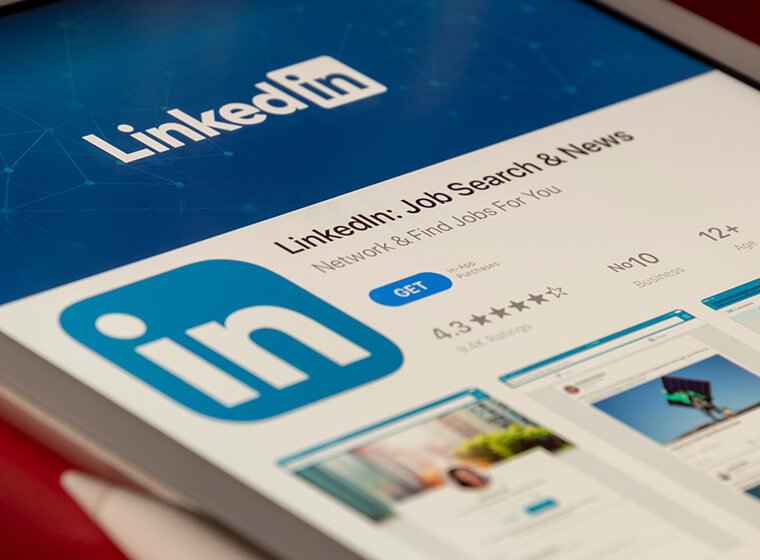LinkedIn szakmai kapcsolatok